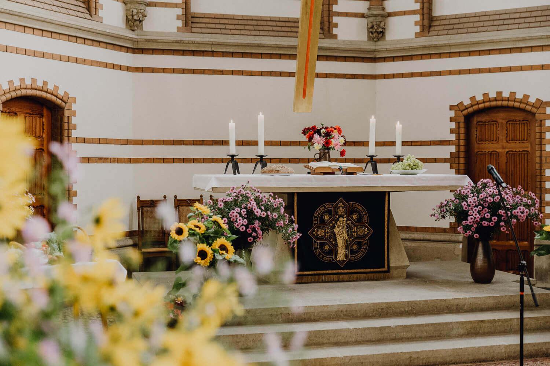 Hochzeitsdekoration Kirche Dresden