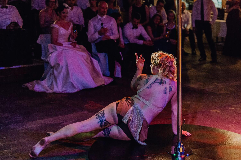 Pole Dance Hochzeit