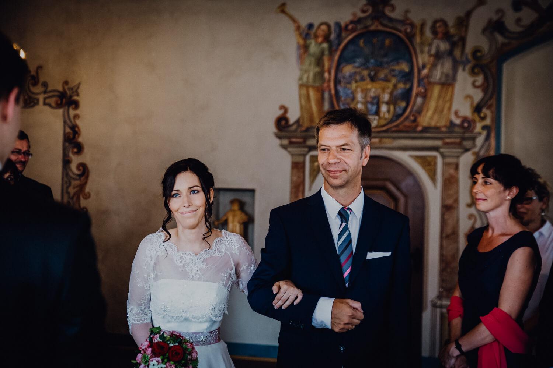 Brauteinzug mit Vater