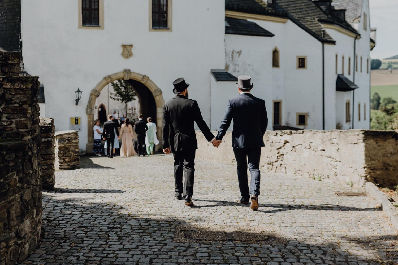 Zwei Bräutigame Einzug Schluss Wolkenstein